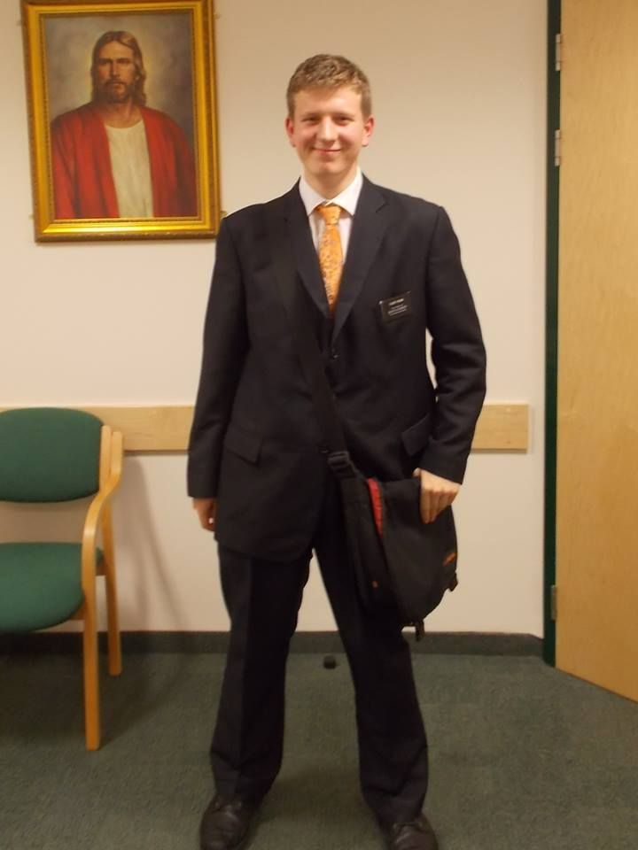 5th October 2013. Same suit (I kept it just for that day). SUPER baggy. [I'm going to reupload these pictures when I find my external hard drive]